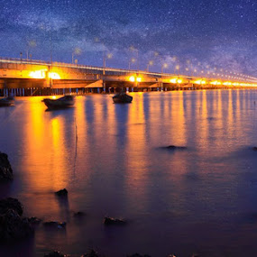 Suramadu bridge in the night by Ferry Febriyanto - Buildings & Architecture Bridges & Suspended Structures
