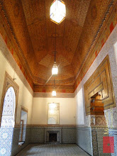 Photo: the palace's interior design consists of carved stucco, carved and painted woodwork incorporating a form of polychrome mosaic known as zellij (or zellige), shiny ceramic tiles and topped by painted, inlaid woodwork ceilings