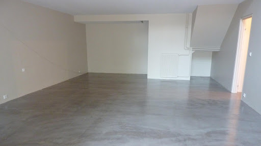 sol-beton-cire-decoratif-finition-satinee-les-betons-de-clara-faq