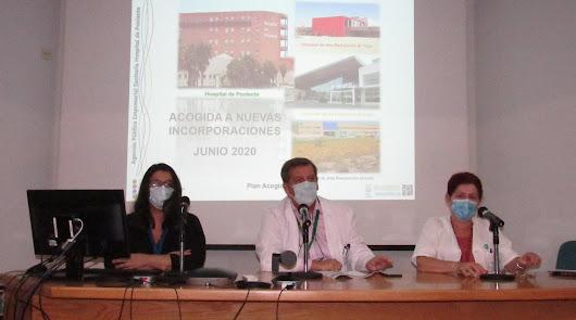 El Hospital de Poniente da la bienvenida a las nuevas incorporaciones de verano