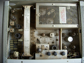 Photo: Inside the 32S-3 transmitter.