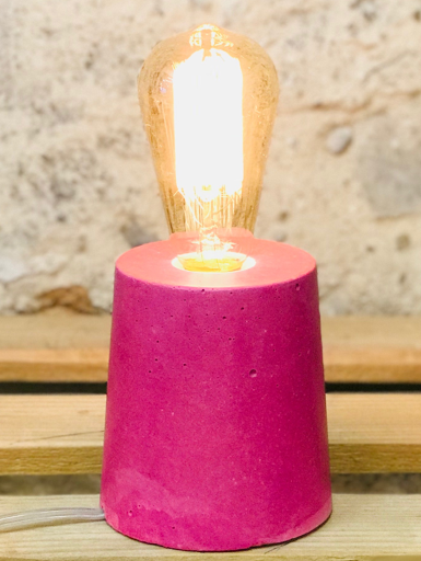 lampe béton couleur rose fuchsia forme design cylindre