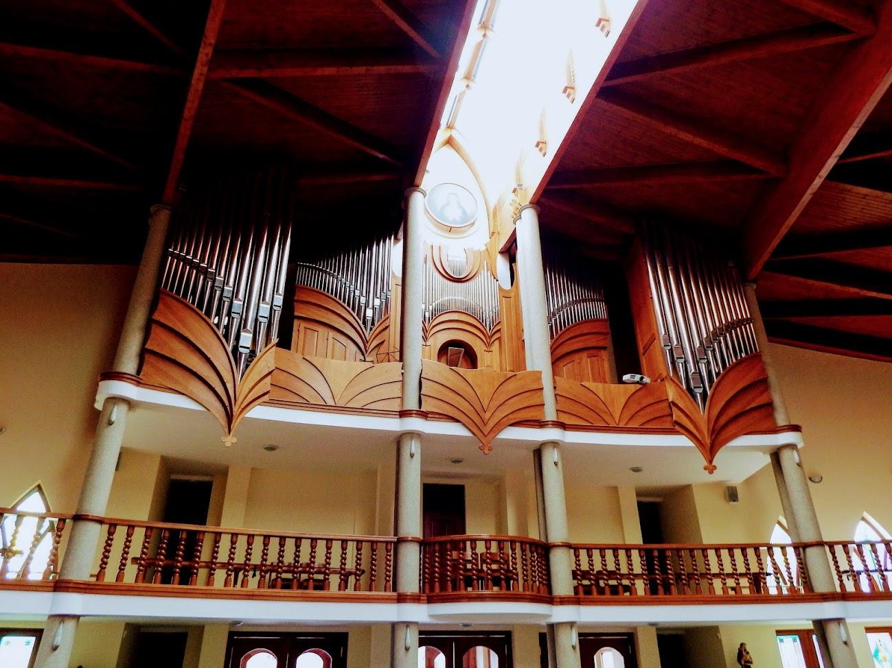 Hévíz - Szentlélek rk. templom, templombelső