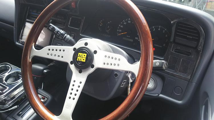 ハイエース TRH112Vのハイビームインジケーター,オートウインカー,ハンドルボスに関するカスタム&メンテナンスの投稿画像5枚目