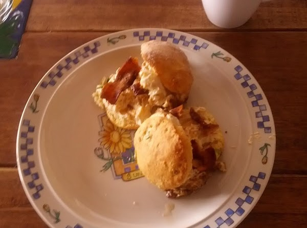 Chive Biscuit Sandwich With Bacon And Cheese Mix Recipe