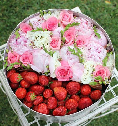 C:\Users\User\Documents\МОИ ДОКУМЕНТЫ\Статьи\цветочные коробки\с ягодами.jpg