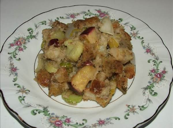 Apple Sausage Stuffing With Bacon,  Mushrooms & Pecans Recipe