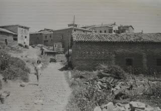 Photo: Camino de la Escuela. Proveedor: Julia González Izquierdo. Año: 1970.