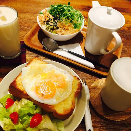烤克太太/鮭魚茶漬泡飯/香蕉牛奶/溫床鮮奶茶