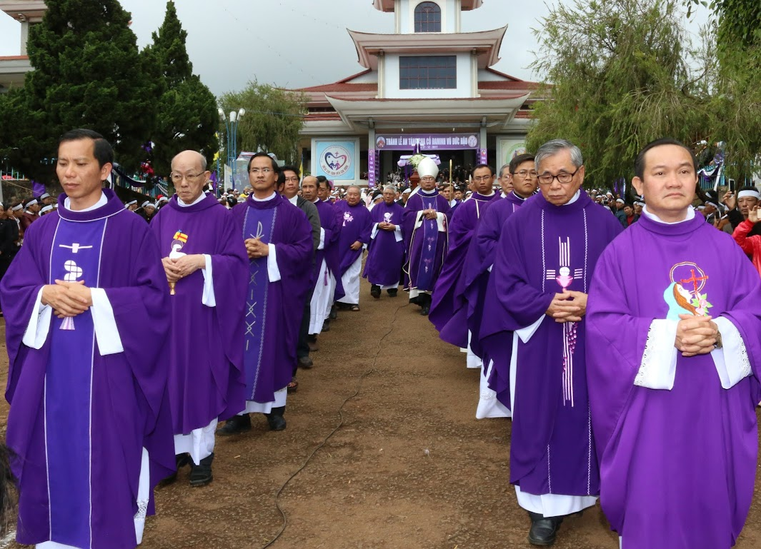 Thánh lễ an táng Cha Đaminh Vũ Đức Hậu - Giáo phận Ban Mê Thuột - Ảnh minh hoạ 18