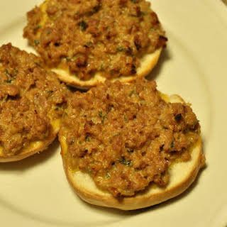25 Quick Weeknight Meal Ideas - Featuring Cheesy Sausage Bagels.