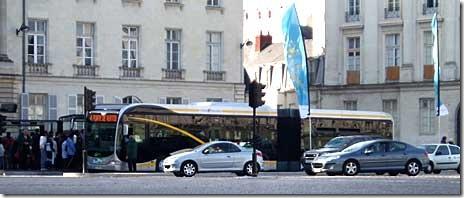 Busway_nantes_01