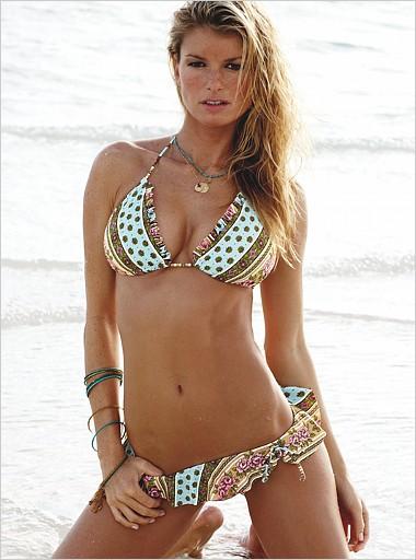 Marisa Miller V255156m.jpg MarisaMiller03 -  http://henku.info