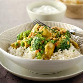 Kip Kerrie Madras met broccoli en erwtjes