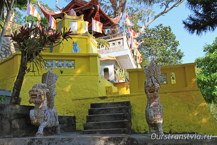 Пагода Линь Сон Транг на горе Таку