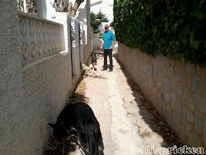 Photo: Vi viker av in på en liten smal gränd för att gena till husbilen
