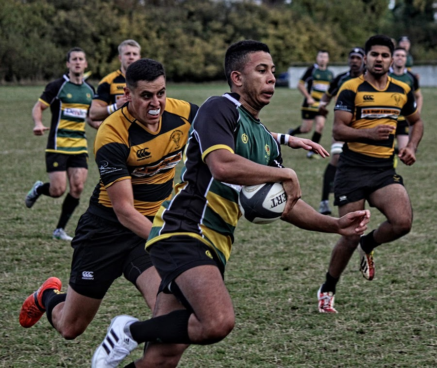 LRU 99 by Michael Moore - Sports & Fitness Rugby (  )
