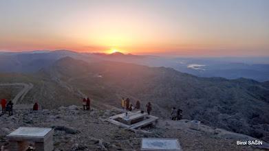Photo: Nemrut Dağı Tümülüsü'nde güneşin doğuşu - (2.206 M.)  Karadut Köyü-Kahta-Adıyaman- 22.05.2016 Mezopotamya (Gaziantep-Şanlıurfa-Adıyaman Nemrut Dağı)  Etkinliği. - 19-20-21-22 Mayıs 2016