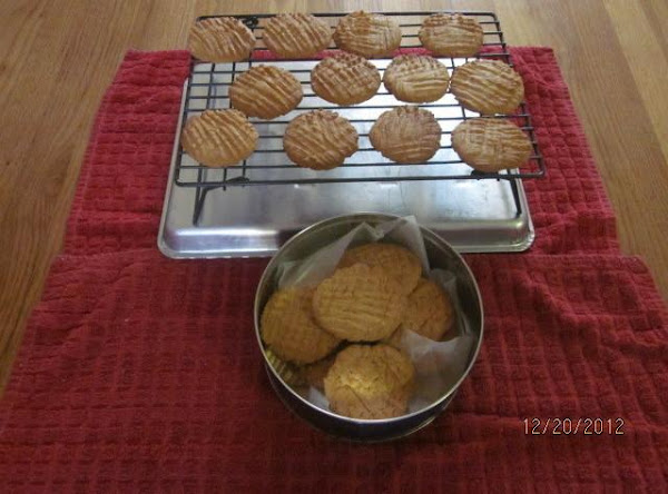 Clarice's Peanut Butter Cookies Recipe