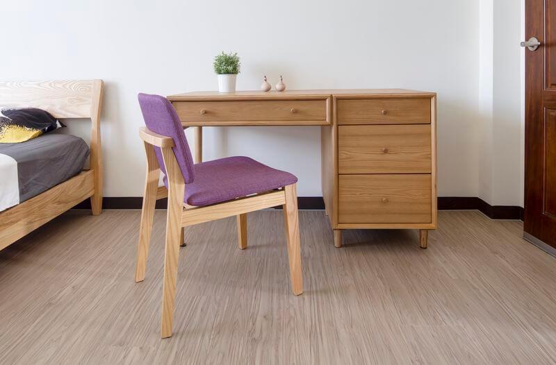 北歐風格的靈魂就在於木質傢俱房間設計當然要挑選實木床架