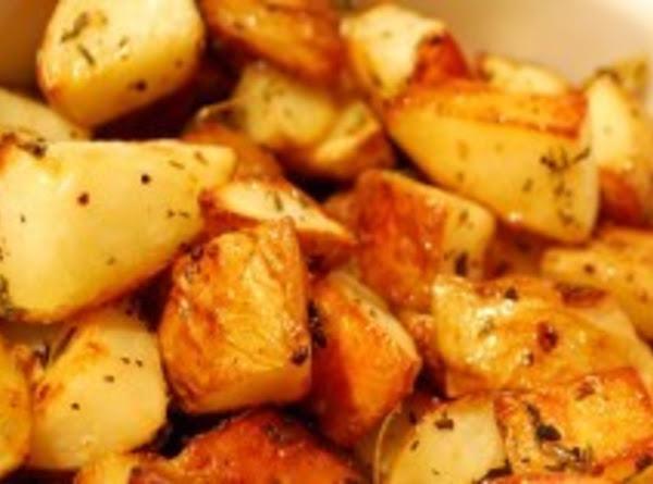 *cheesy Garlic Herb Roasted Potatoes* Recipe