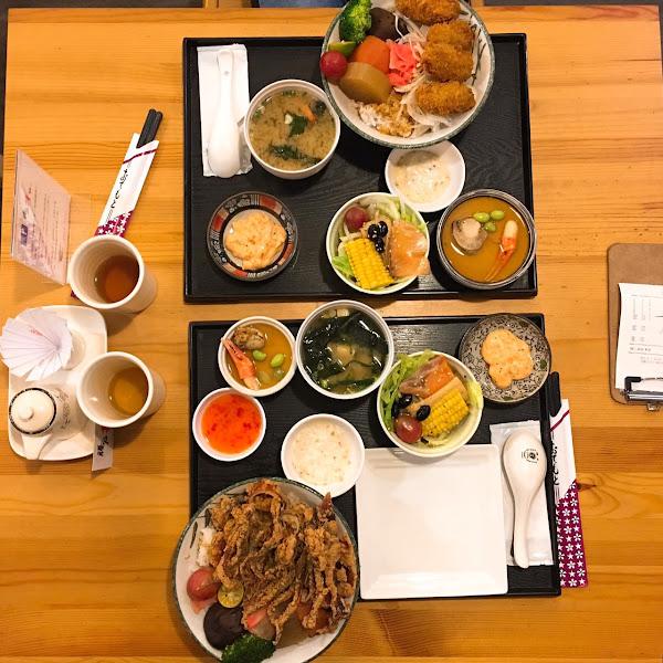 騰戶丼飯專賣-豐富的內容物