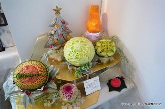 Photo: <Welcome> 鬼丸信乃 カービングを教え始めて10年目の年に、 こうして皆様をお迎えできることを、 素晴らしい生徒さん方に恵まれたことを、 心から幸せに思います。  「Carving Studio S」 http://www9.ocn.ne.jp/~carving