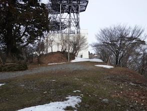 山頂の電波施設