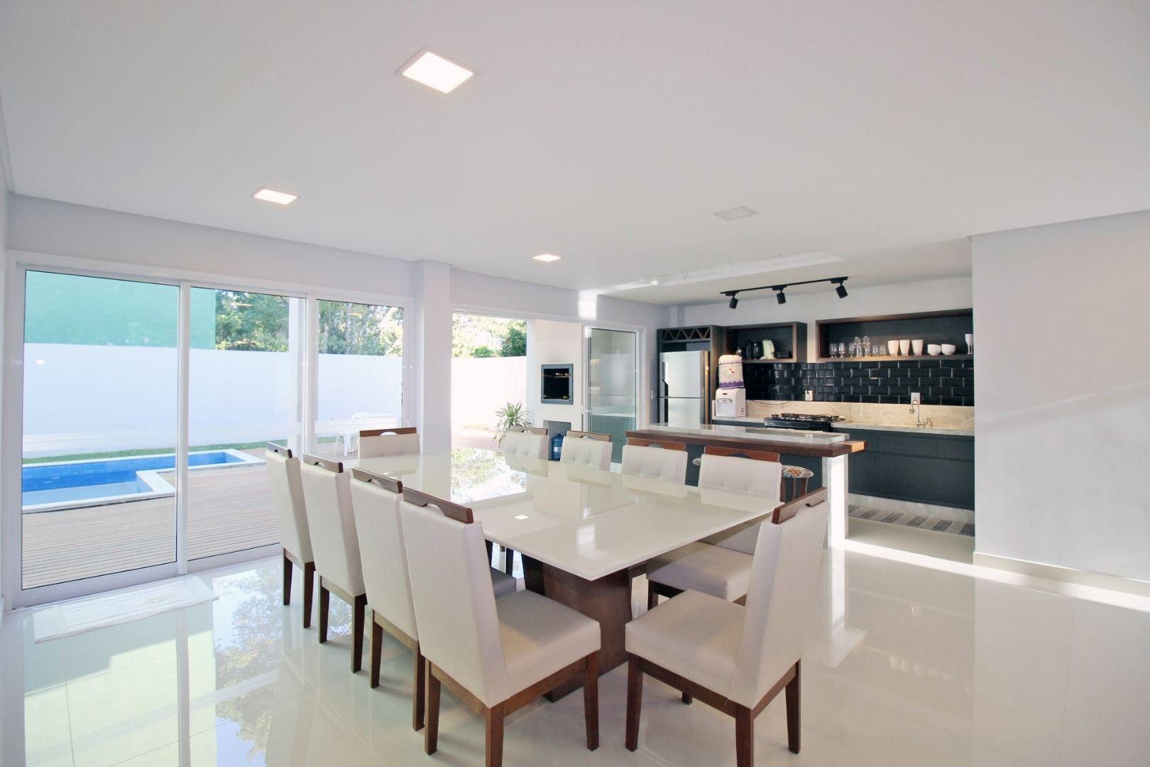 Casa com 4 Dormitórios à venda, 230 m² por R$ 1.750.000,00