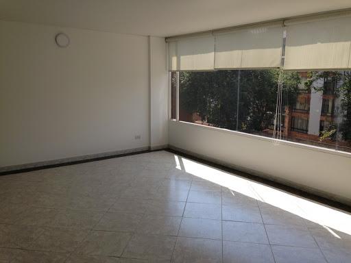 Apartamento en Arriendo - Bogota, Santa Teresa 642-4579