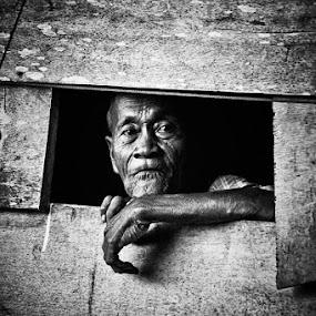 indonesian faces by Budjana Yamazaki - People Street & Candids