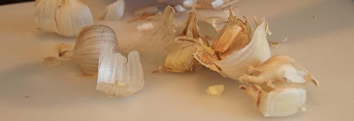 Romanian Garlic Sauce (Mujdei De Usteroi) Recipe