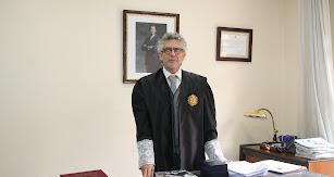 El decano del Ilustre Colegio de Abogados.