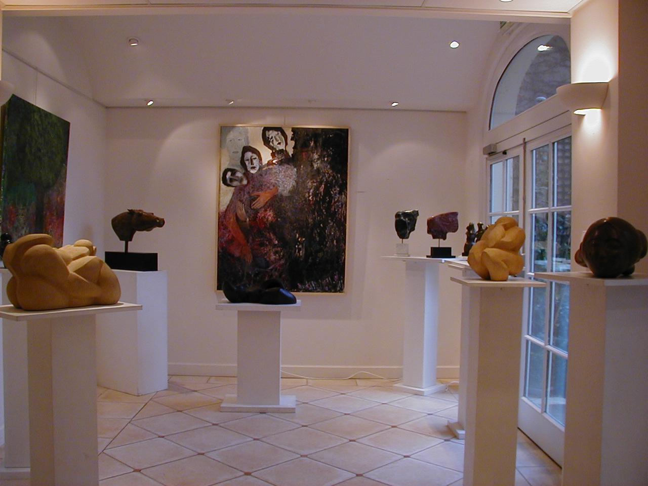 Photo: Le Café des Artistes et des Pêcheurs 併設の画廊  『シベールの日曜日』 http://goo.gl/QY1gi(参考)