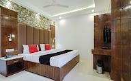 Capital O 2242 Hotel Yuvraj Deluxe photo 5