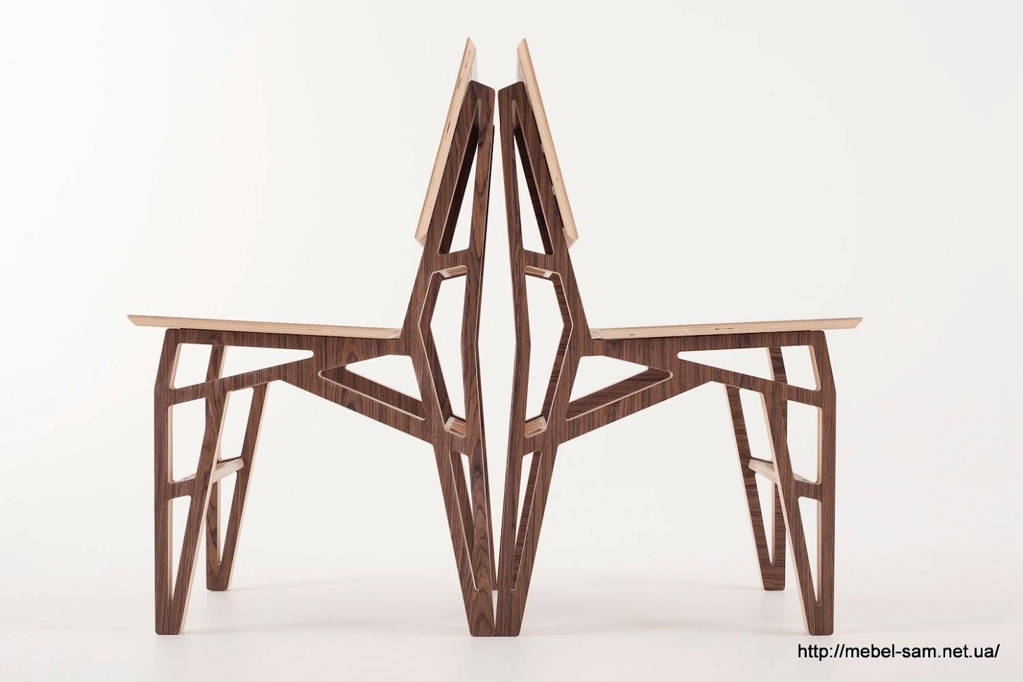 Комплект таких стульев будет выглядеть стильно