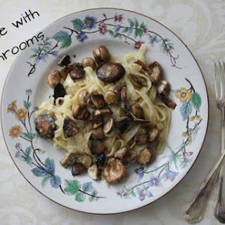 Three Mushroom Tagliatelle With Garlic Sauce [Vegan].