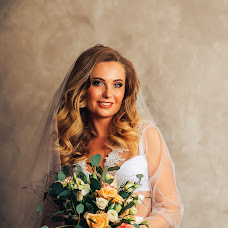 Wedding photographer Andrey Kozyakov (matadorOmsk). Photo of 26.01.2018
