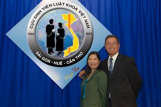 Photo: anh Hà Kim Tinh – SVLK Cần Thơ cùng phu nhân Nguyễn T. Ngọc Mai – SVLK Sài Gòn