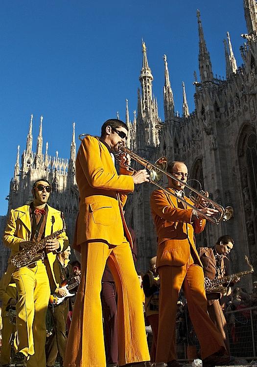 Street band. di Paolo Zanoni
