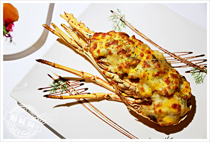 新國際西餐廳起司焗龍蝦