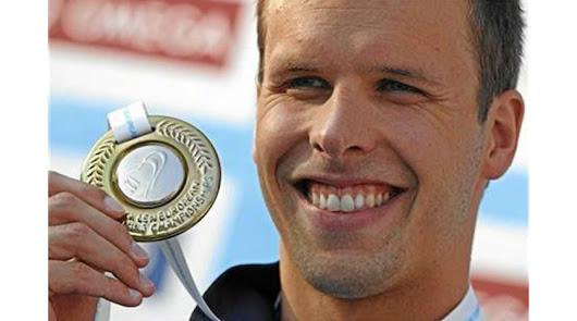 Campeón del mundo de natación