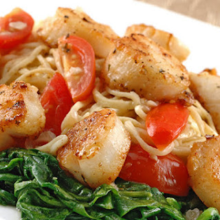 Angel Hair With Scallops In White Wine Butter