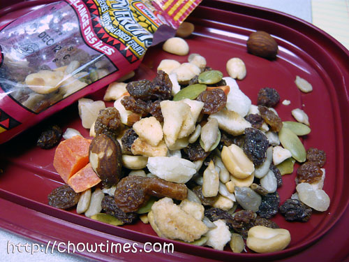 different types of dates fruit. Suanne found some new type of