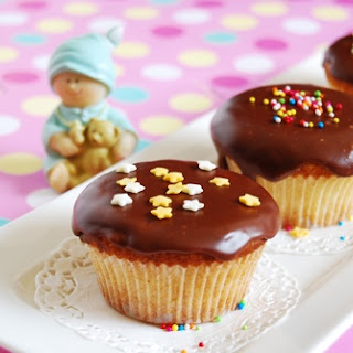 Eggless Vanilla Cupcake With Chocolate Frosting