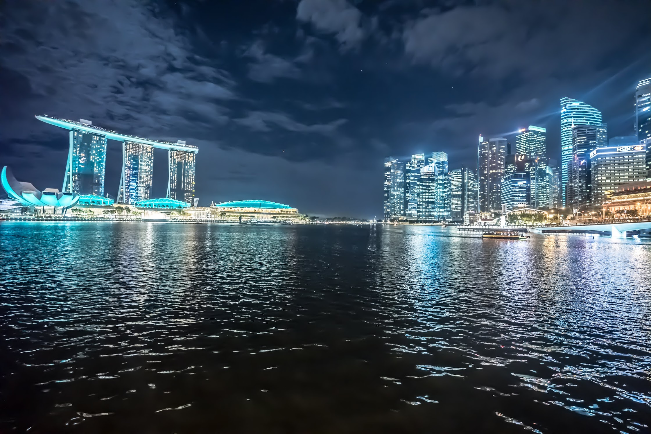 Singapore marina area evening2