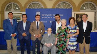 Julio Visconti junto al presidente de la Diputación, el alcalde de Fiñana y representantes institucionales y culturales.