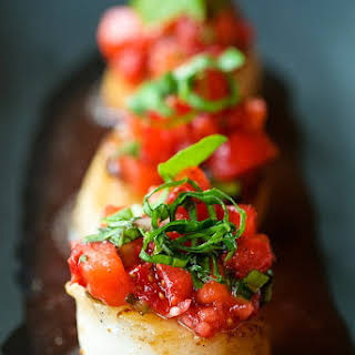 Caramelized Scallop & Strawberry Salsa – Healthy Family Seafood Dinner.