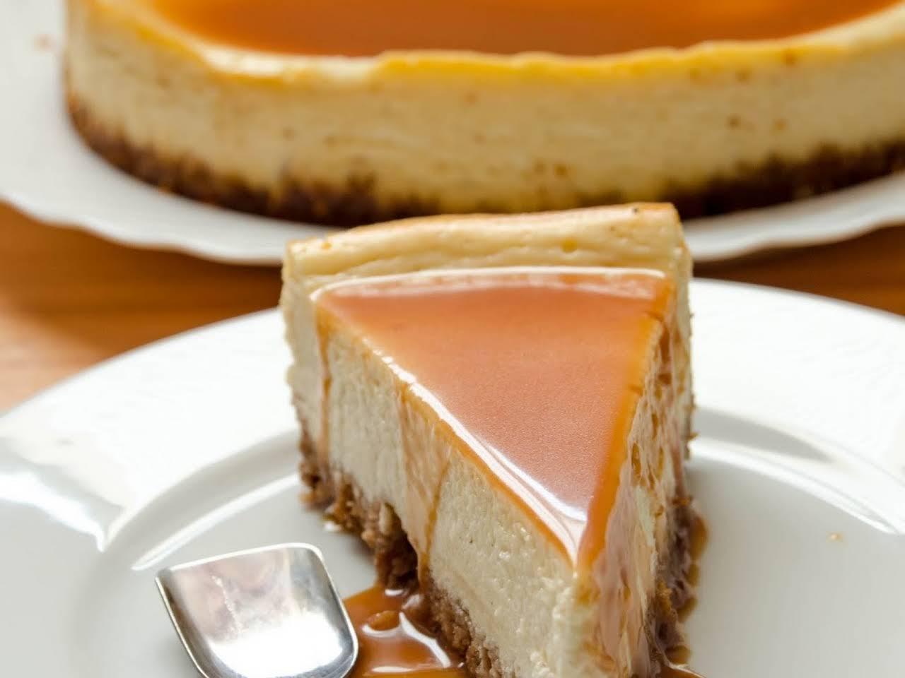10 Best White Chocolate Amaretto Cheesecake Recipes Yummly
