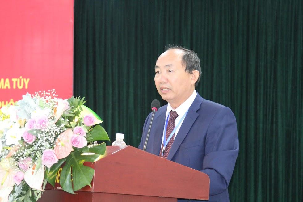 Các đại biểu của các tỉnh trình bày tham luận